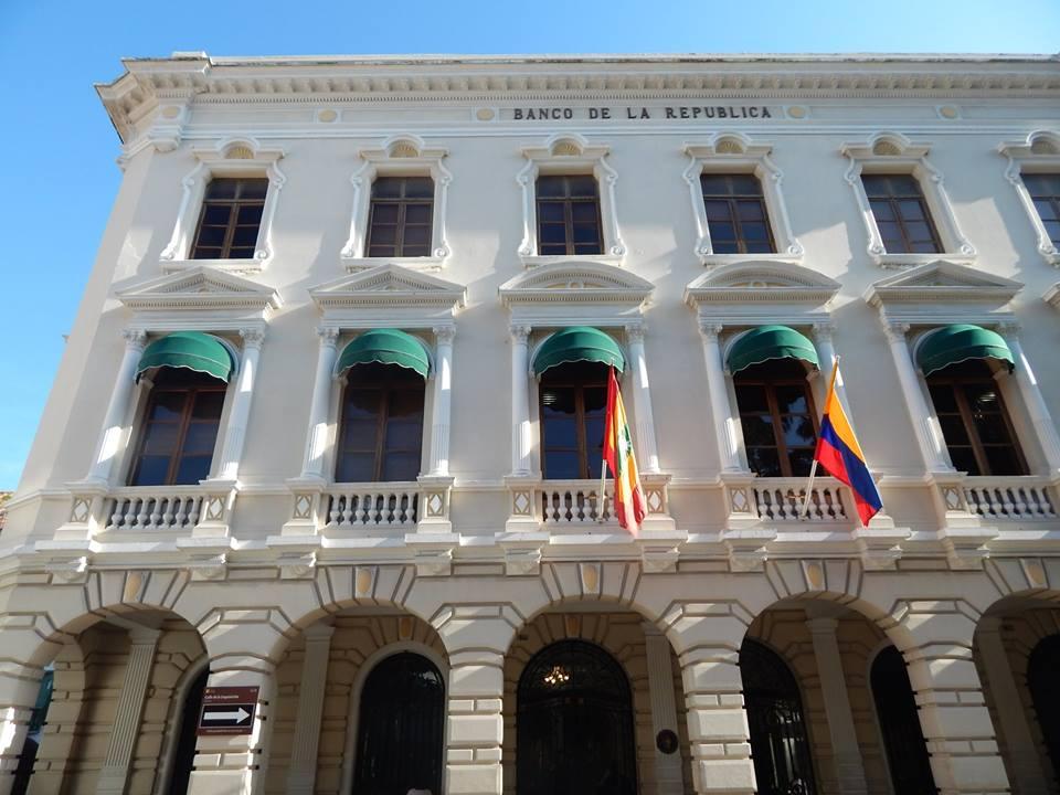 Biblioteca Bartolomé Calvo Banco de la Repúlbica Cartagena